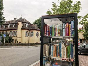 Öffentlicher Bücherschrank in Heidelberg–Handschuhsheim