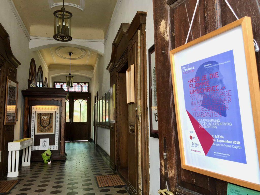 Haus Cajeth: Foyer
